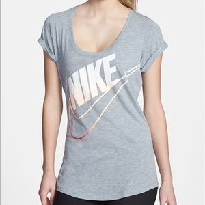 NIKE Women's Ombré Loose Fit Tee